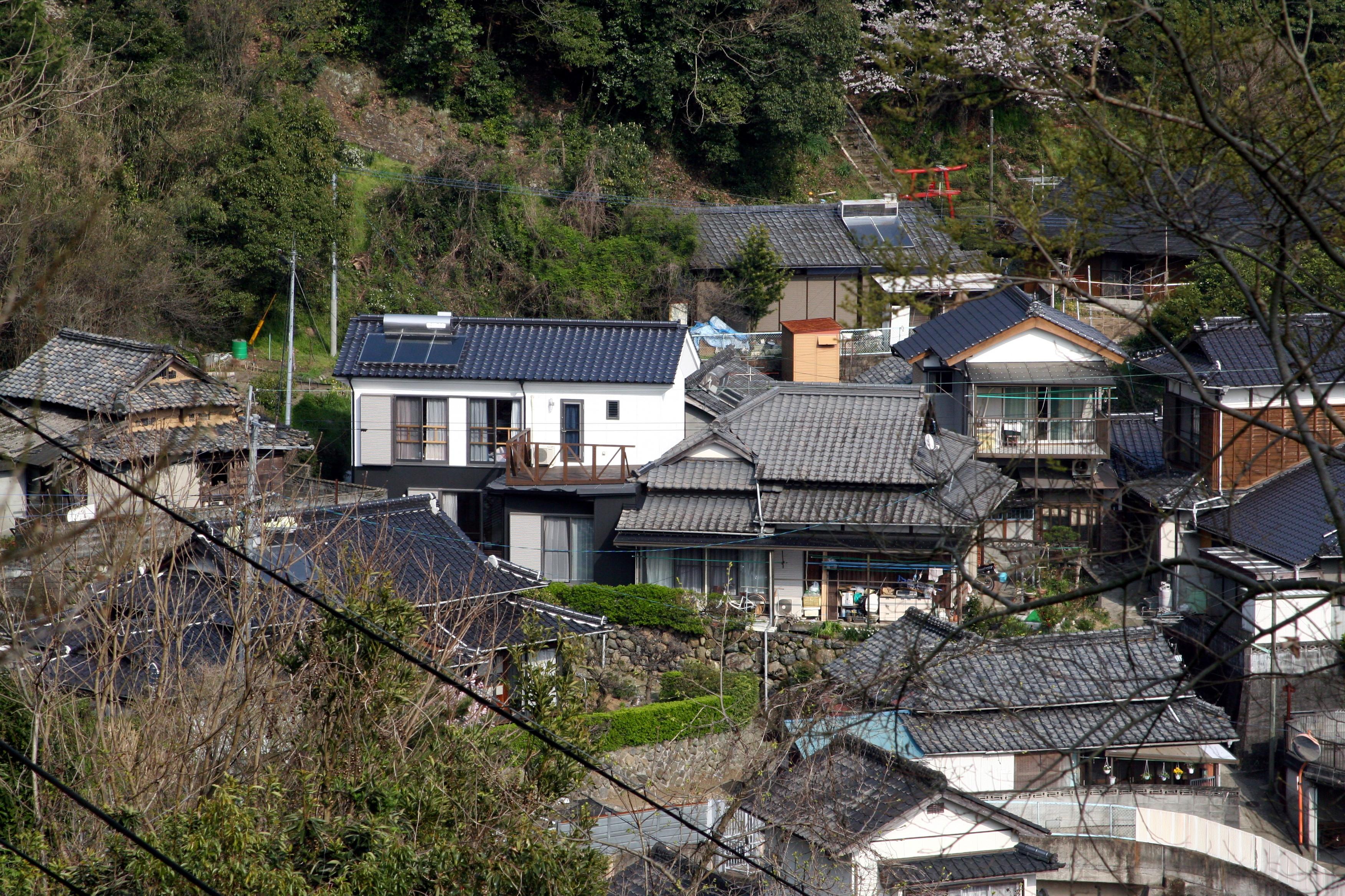 傾斜地に建つ家の増改築